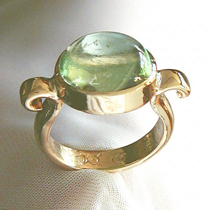 yellow gold ring, green beryl cabochon