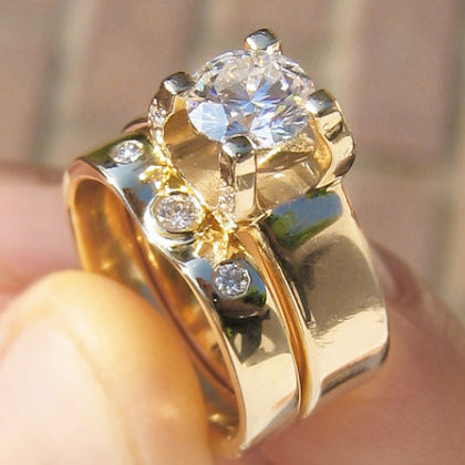18k yellow gold diamond engagement & wedding ring